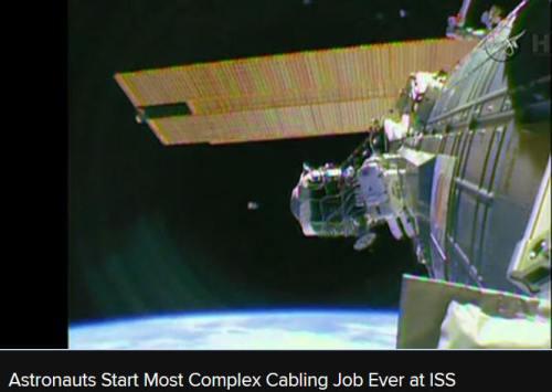 !!!!!AstronautsRunCable1